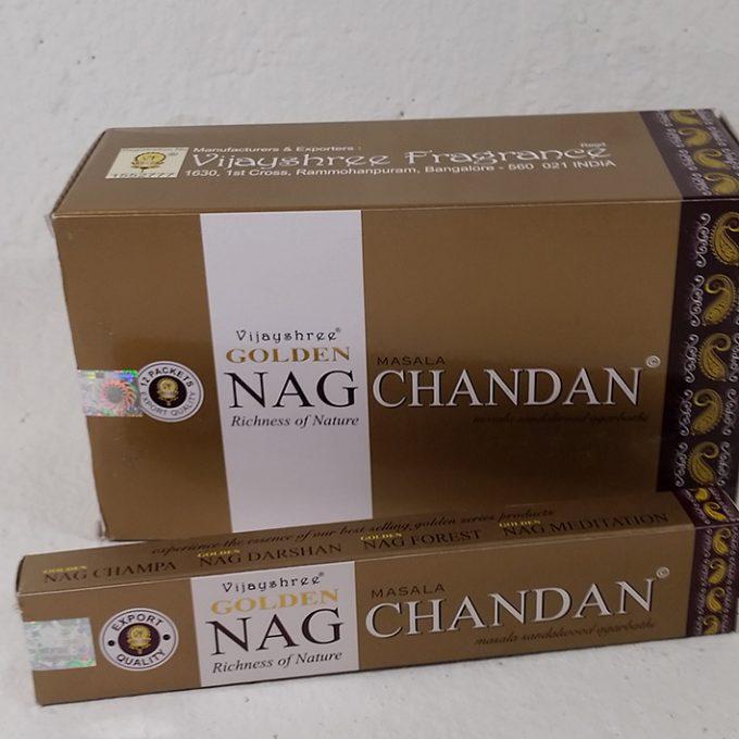 Incensi golden oro nag chandan ottenuto da miscele sandalo, erbe, fiori ed essenze profumate.