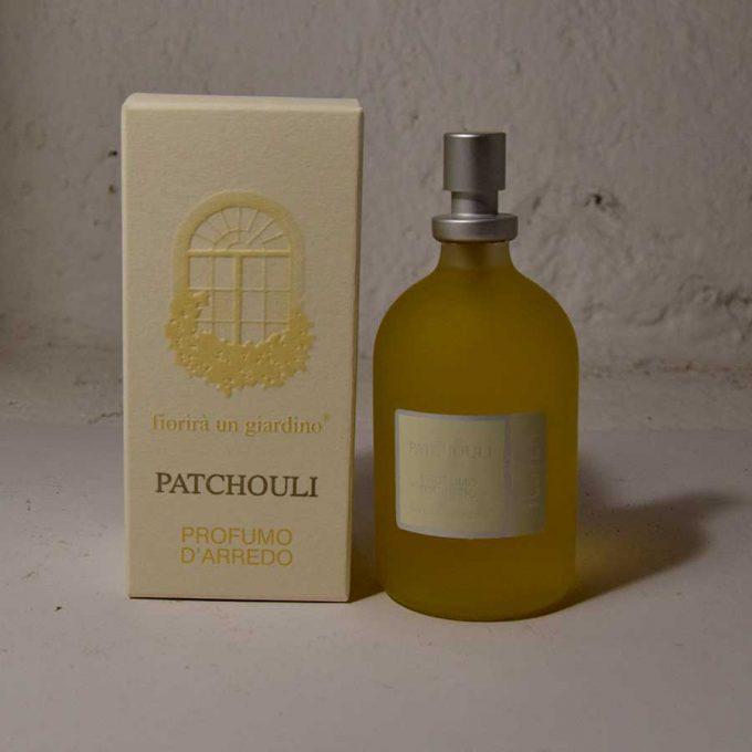 Profumo d'arredo composto da oli essenziali naturali di altissima qualità, prodotto in Italia. Adatto per essere spruzzato in qualsiasi ambiente.